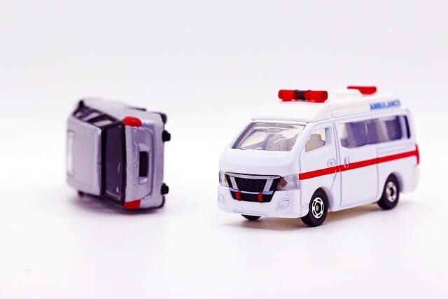 交通事故ではできるだけ早く整形外科受診を